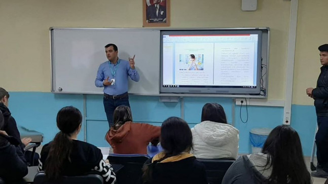 İzmir'de Lise Öğrencilerine Yönelik Eğitim Yapıldı.